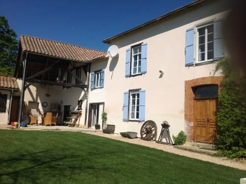 Chez Janne : Bed and Breakfast near Aux-Aussat
