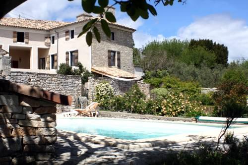 Une Nuit au Village : Guest accommodation near Orgnac-l'Aven