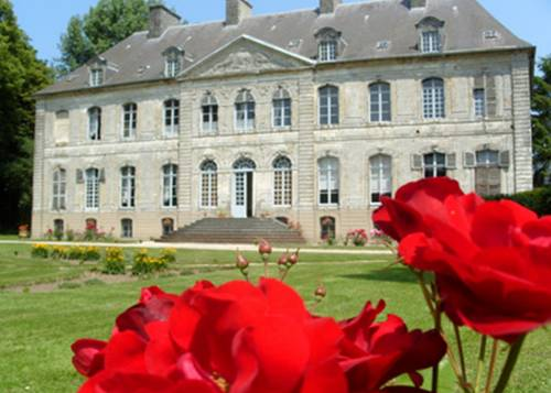 Château de Couin : Bed and Breakfast near Nuncq-Hautecôte