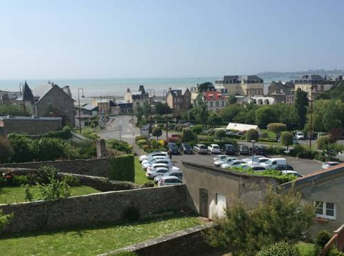 Vue magnifique sur mer : Apartment near Saint-Pair-sur-Mer