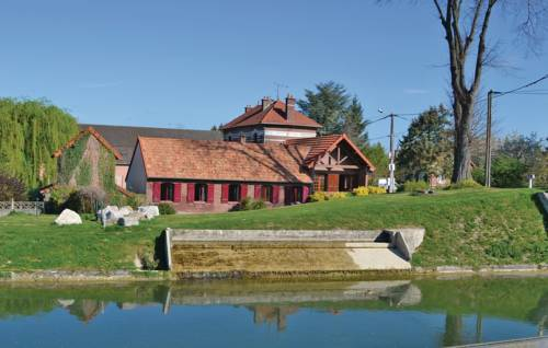 Three-Bedroom Holiday Home in Frise : Guest accommodation near Combles