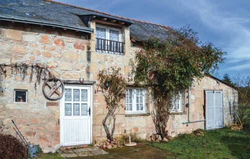 One-Bedroom Holiday Home in Allonnes : Guest accommodation near Allonnes