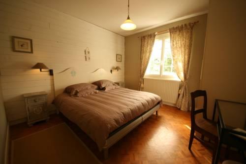 L'Ostal en Perigord - Les Tilleuls : Guest accommodation near Bonneville-et-Saint-Avit-de-Fumadières