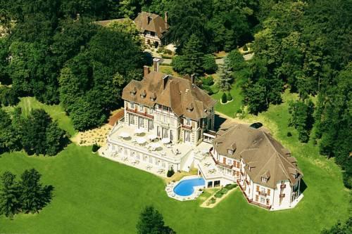 Le Château de la Tour : Hotel near Bernes-sur-Oise