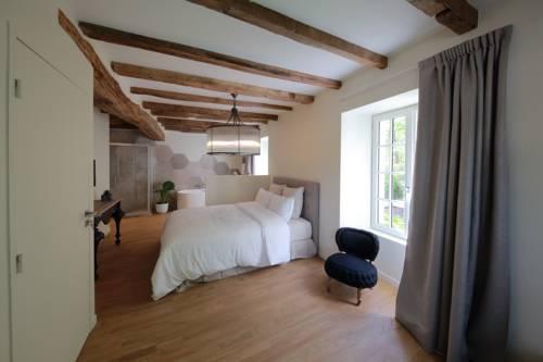 Le Moulin De Nanteuil : Guest accommodation near Poitiers