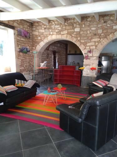 La Batisse du Chateau (3 Chambres) : Guest accommodation near Solérieux