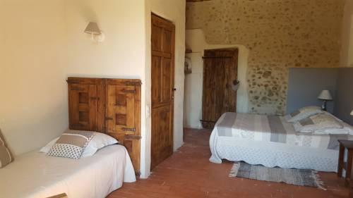Domaine De Bertrandy : Bed and Breakfast near Allemagne-en-Provence