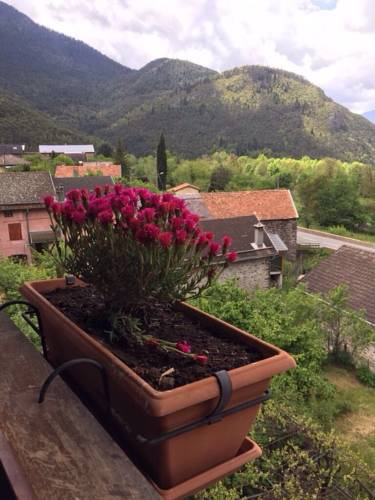 In the heart of nature : Apartment near Roure