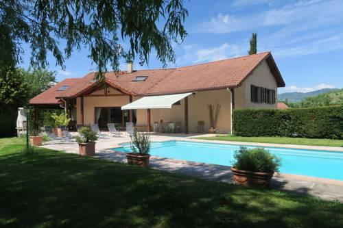 Champ Berland : Guest accommodation near Saint-Barthélemy-de-Séchilienne