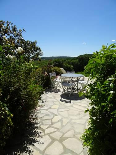 Au Moulié : Guest accommodation near Sembouès
