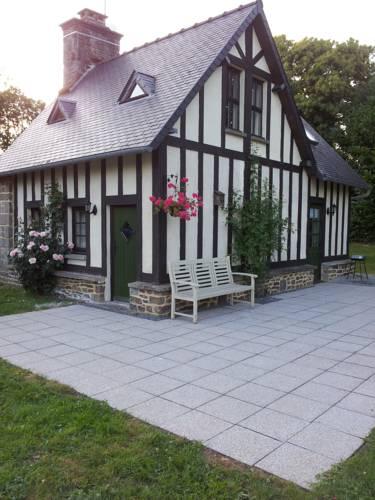 La Petite Maison May : Guest accommodation near Isigny-le-Buat