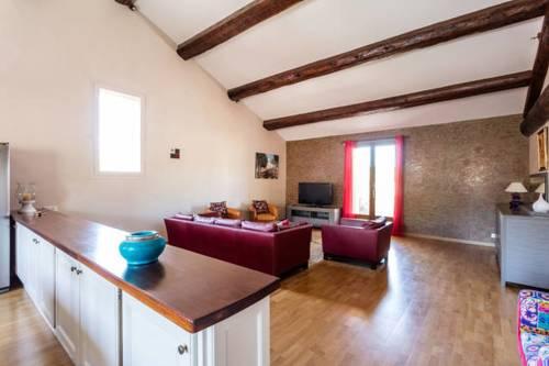 Gîte au coeur des vignes : Guest accommodation near Aumes