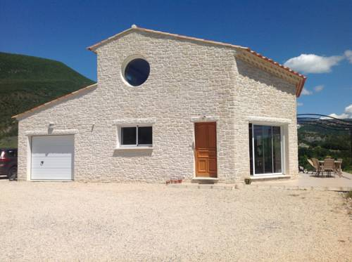 Le champ de coucou : Bed and Breakfast near Sisteron