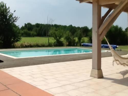 Gite au Bouy : Guest accommodation near Fumel