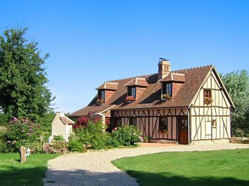 Holiday Home Rue des Landes : Guest accommodation near L'Aigle