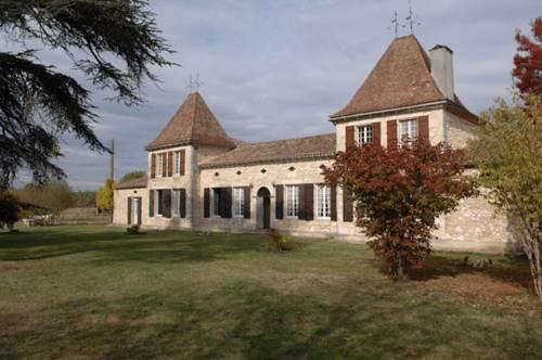 Villa Chateau Le Guit : Guest accommodation near Antagnac