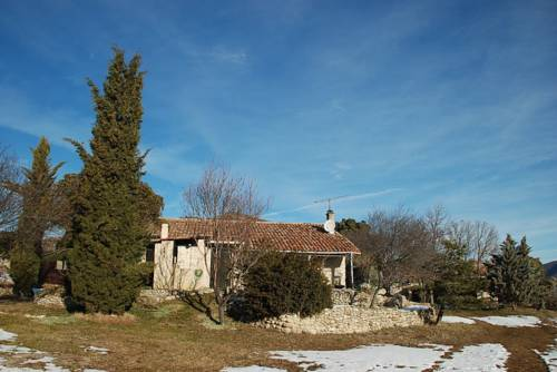 Holiday home Le Chateau : Guest accommodation near Le Chaffaut-Saint-Jurson