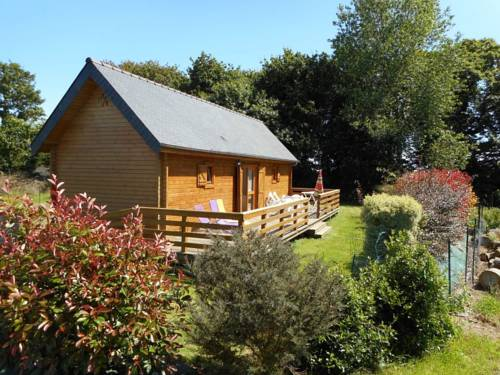 Holiday home Convenant Hery Bihan : Guest accommodation near Lanmérin