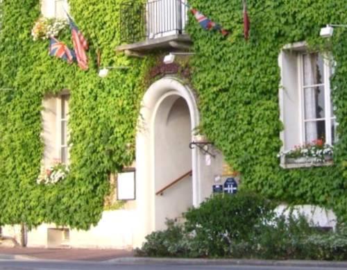 Auberge du Vieux Chateau : Hotel near Néhou