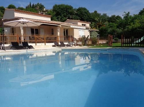 Villa Chemin des Combes : Guest accommodation near La Gaude