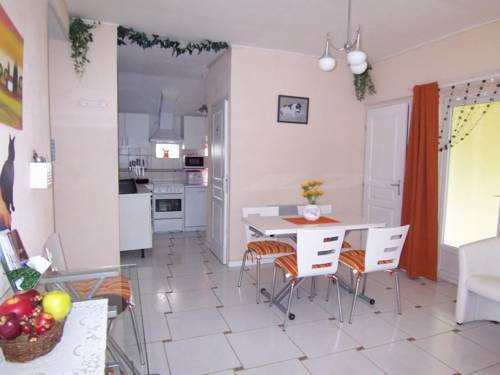 Holiday home Augeres 2 : Guest accommodation near Colombier