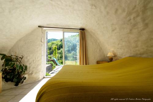 Laulagner : Bed and Breakfast near Saint-Remèze