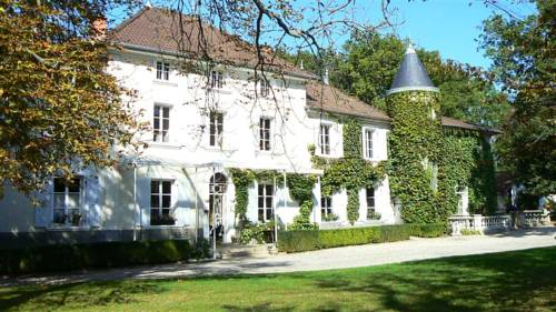 Chateau des Ayes - Chambre d'hotes : Guest accommodation near Eydoche