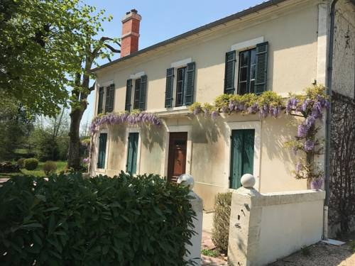 Villa 2 Pas Sages : Guest accommodation near La Roche-Chalais