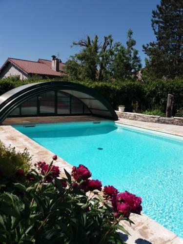 Gîte de charme la Marie Jaque : Guest accommodation near Tossiat