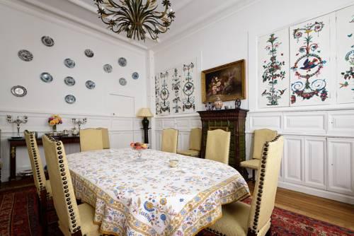 La Demeure de Babette : Bed and Breakfast near Aubigny