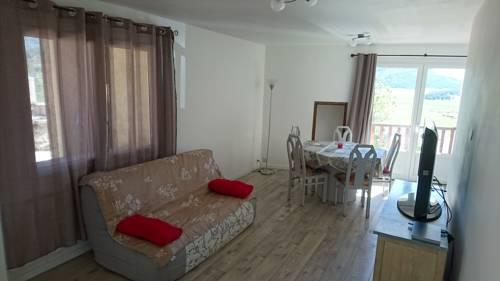 La maison pres de la plaine : Guest accommodation near Valderoure