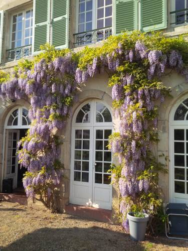 Chateau Gallery 66 Bellenaves : Guest accommodation near Saint-Bonnet-de-Rochefort
