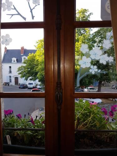 Le Petit Logis De Tinténiac : Apartment near Avrillé