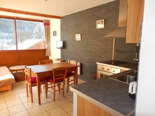 Les Serintes : Apartment near Saint-Léger-les-Mélèzes
