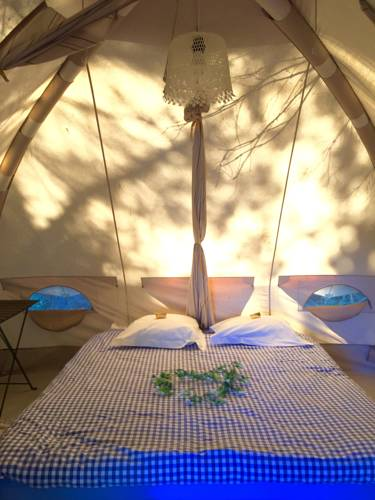 Saint Paul le Marseillais Tentes : Guest accommodation near Pinet