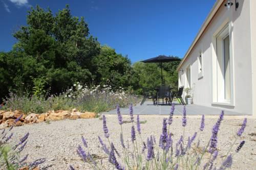 Entre Brousse Et Garrigue : Guest accommodation near Argelliers