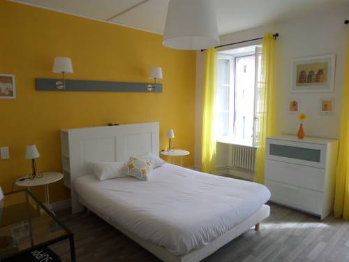 Hôtel Les Thermes : Hotel near Charente-Maritime