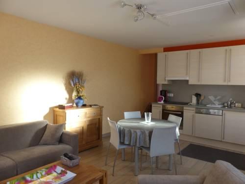 Maison rue Chollet : Guest accommodation near Creuzier-le-Vieux