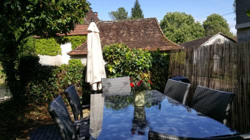 Domaine Le Manoir : Guest accommodation near Ajat