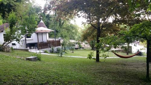 Ambition Zen Presles : Guest accommodation near Montsoult