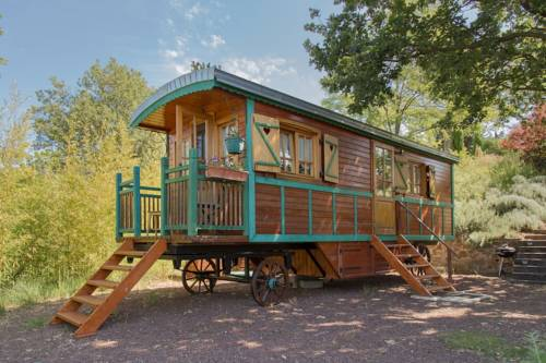Roulotte Roul'eole : Guest accommodation near Sceautres