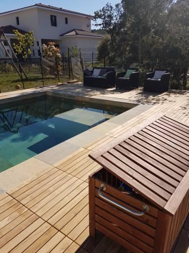 Maison moderne 200 m2 Piscine environnement calme : Guest accommodation near Saint-Gély-du-Fesc