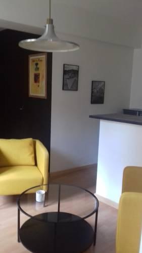 charmant P2 centre ville : Hotel near Gard