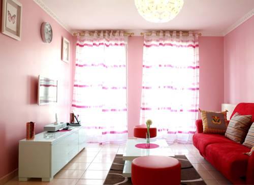 Couleurs Vacances : Apartment near Ferrières-en-Brie