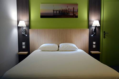 Comfort Hotel Rouen Sud Cléon - Restaurant Le Seinomarin : Hotel near Moulineaux