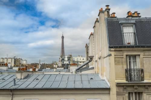 Eiffel Tower view Family Friendly - 5 guests : Apartment near Paris 7e Arrondissement