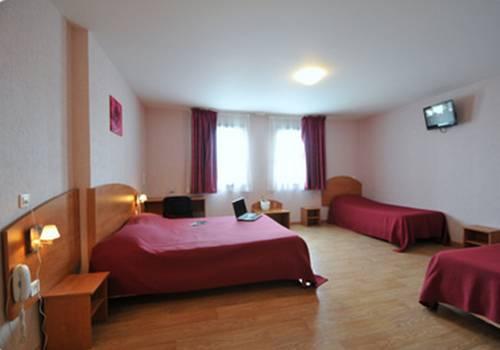 Prim Hotel Reims : Hotel near Bergnicourt
