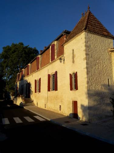 Manoir Saint-Louis : Bed and Breakfast near Cours-les-Bains