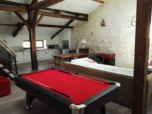 Gite du Colombier - PUJOLS : Guest accommodation near Pujols