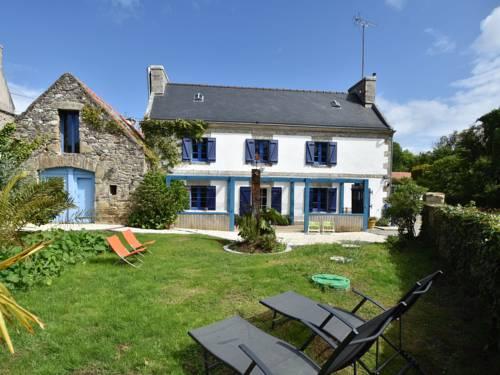 Holiday home Cleden Cap Sizun : Guest accommodation near Île-de-Sein